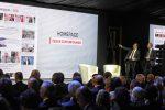 Sala relatori e ospiti Messaggero 140 anni Festa a Cinecitta'. Nella foto: Moretti e Cusenza. PAOLO CAPRIOLI/AG.TOIATI